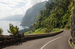 在马德拉岛的有风路 免版税库存图片