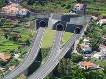 在马德拉岛的海岛上的路隧道 免版税库存照片