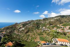 在马德拉岛Wine Company, Estreito de Camara de罗伯斯,马德拉岛的葡萄园的看法, 免版税库存照片