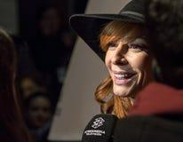 在马德里首放星期戏院事件的Elisa连披肩之头纱在卡亚俄广场,马德里 库存图片