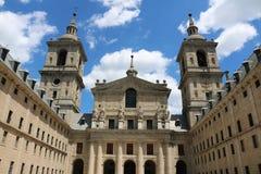 在马德里,西班牙附近的埃斯科里亚尔修道院 库存照片