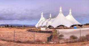 在马戏场帐篷的日落 免版税库存图片