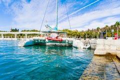 在马拉加港的筏  库存图片