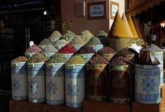在马拉喀什` s市场上的草本 库存图片