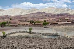 在马拉瓜火山口的全景风景风景 一个村庄的看法在马拉瓜休眠火山里面火山口的  免版税库存照片