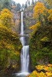 在马特诺玛瀑布的秋天颜色 库存图片