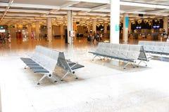 在马略卡岛帕尔马机场的长凳 免版税库存图片
