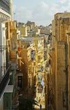 在马耳他的狭窄的车道 免版税库存照片
