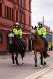 在马背上英国警察 图库摄影