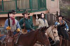 在马背上西部治安维持会成员 免版税库存照片