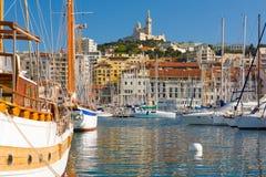 在马赛口岸的游艇 免版税库存图片