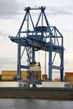 在驳船的装载容器 库存图片