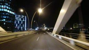 在驾车的破折号凸轮在桥梁 影视素材