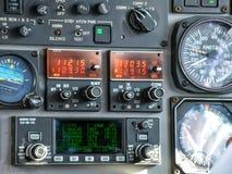 在驾驶舱里面的飞行控制 免版税库存图片