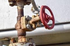 在高压井流动的设备的停机阀 油 库存图片