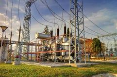 在高压switchyard的电源变压器 库存图片