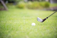 在高尔夫球场的一家俱乐部 射击从航路 图库摄影