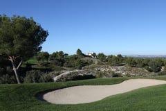 在高尔夫球的孔7,掌握13日2013年 库存图片
