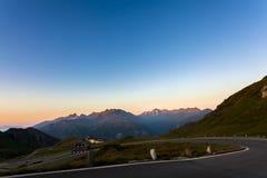 在高山路-奥地利,欧洲的日出 库存图片