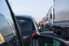 在高速公路的交通堵塞 免版税库存图片