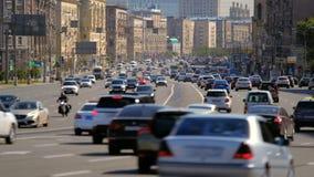 在高速公路的交通 股票录像