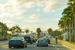 在高速公路的机动车在迈阿密 库存照片
