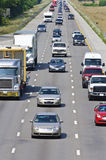 在高速公路的重的跨境交通 免版税库存图片