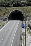 在高速公路的隧道 图库摄影