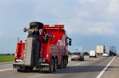 -在高速公路的avtoservis汽车 免版税库存图片