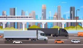 在高速公路路的大货物卡车拖车有汽车和卡车的在现代城市背景发货和交付概念 皇族释放例证