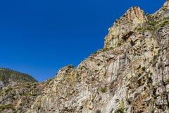 在高速公路180,国王峡谷国家公园,美国的岩层 库存照片