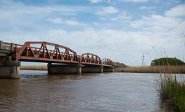 在高速公路90,圣Tammany教区,路易斯安那的老小马桁架桥 免版税库存图片