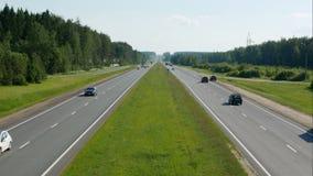 在高速公路timelaps的空白的广告牌或路标 影视素材