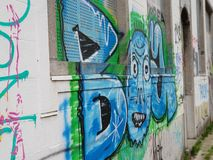 在鬼城Doel,比利时的街道画 免版税库存图片