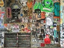 在鬼魂胡同墙壁上的街道画在派克集市上在西雅图 免版税库存图片