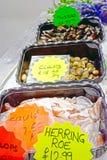 在鱼和食物市场摊位的海鲜 免版税库存照片