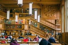 在鲁汶大学的图书馆里面,比利时7 免版税库存照片