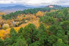 在鲁西永,普罗旺斯,法国附近的秋天风景 免版税图库摄影
