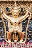 在鲜绿色菩萨寺庙的Garuda 库存图片