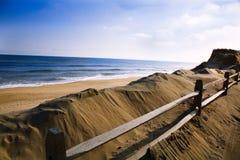 在鳕鱼角Wellfleet, MA的海滩 免版税图库摄影