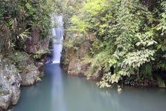 在鸳鸯小河峡谷的瀑布  免版税库存照片