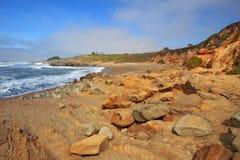 豆凹陷国家海滩的Pebble Beach在加利福尼亚 库存照片
