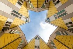在鹿特丹求Piet设计的房子的立方布洛姆;荷兰 免版税库存图片