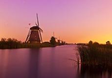 在鹿特丹风车附近的kinderdijk 库存图片