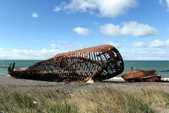 在麦哲伦海峡的岸的生锈的船在圣格雷戈里奥村庄  库存照片