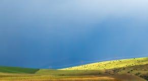 在麦田的风暴风暴 免版税图库摄影