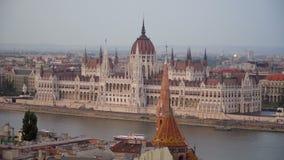 在黄昏的匈牙利议会 股票视频