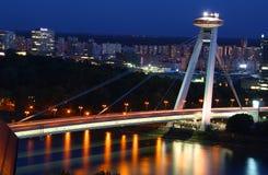 在黄昏的新的桥梁 免版税库存照片