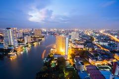 在黄昏的曼谷地平线 库存图片