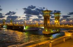 在黄昏的桥梁 库存照片
